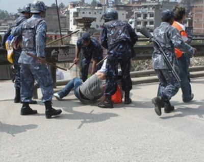 nepal10marca2008zatrzymanie_400