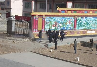 serthar24stycznia2012policjaciagnienieprzytomnegofilmowani_400