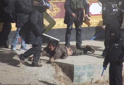 serthar24stycznia2012policjancinadpobitym_400